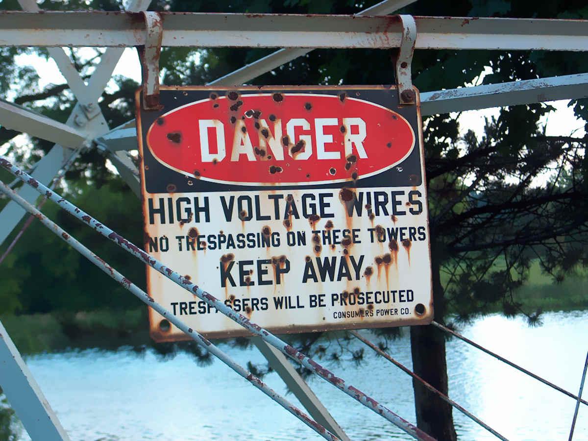 Combien De Metre De Fils Electrique Pour Une Maison Électricité : quelle est la plus dangereuse, la tension ou l