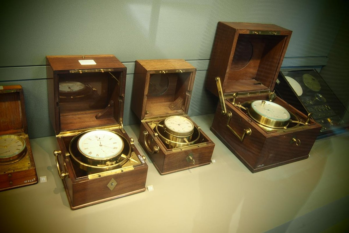 a mechanical chronometer