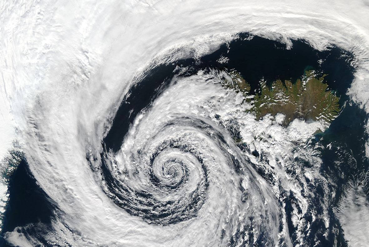 photo satellite d'un cyclone au dessus de l'islande