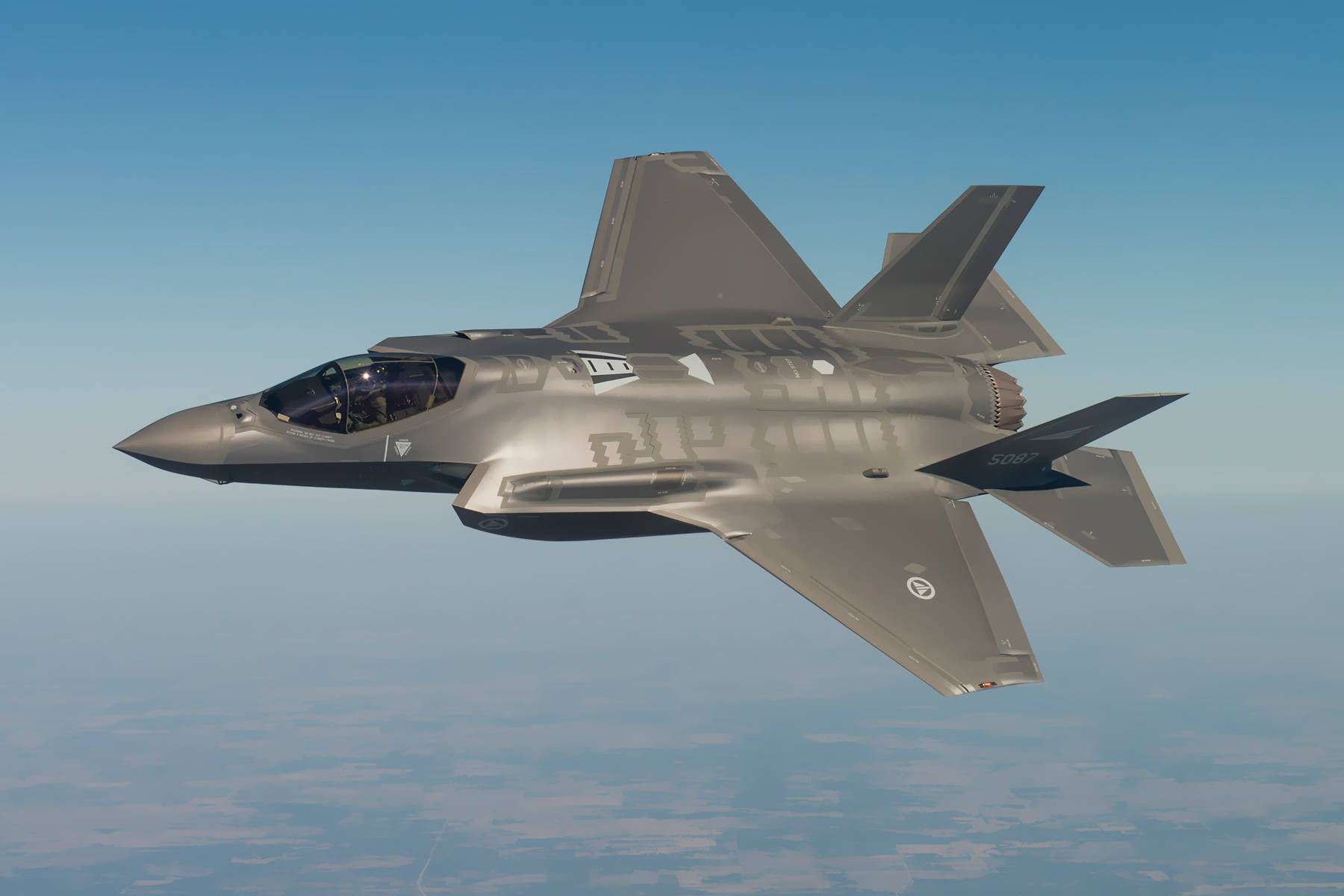 Un F-35, un avion furtif.