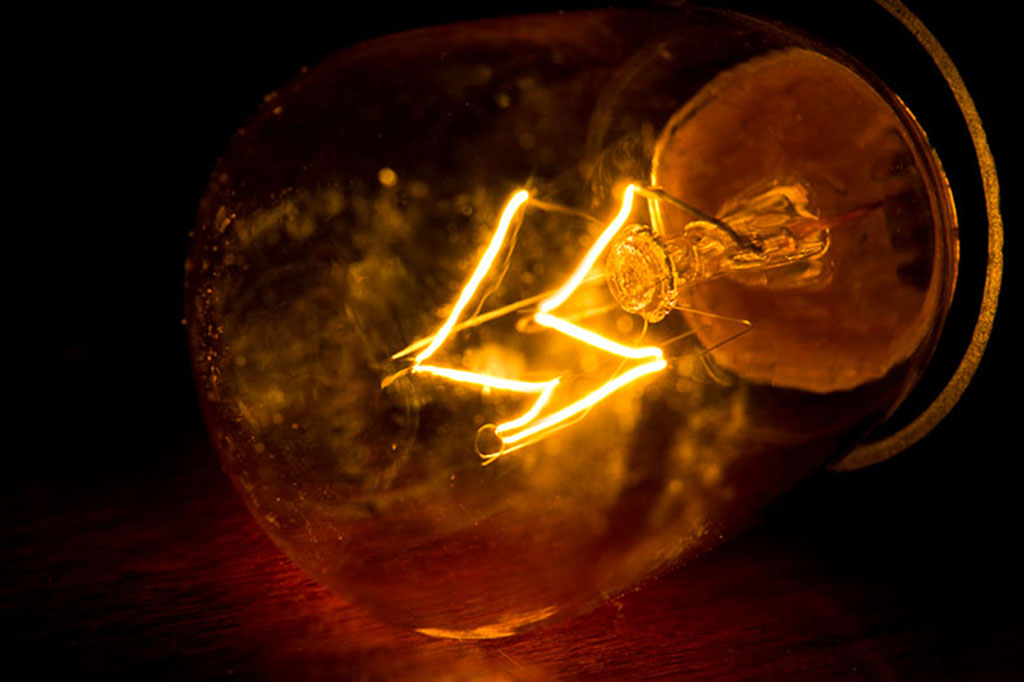 a filament light bulb